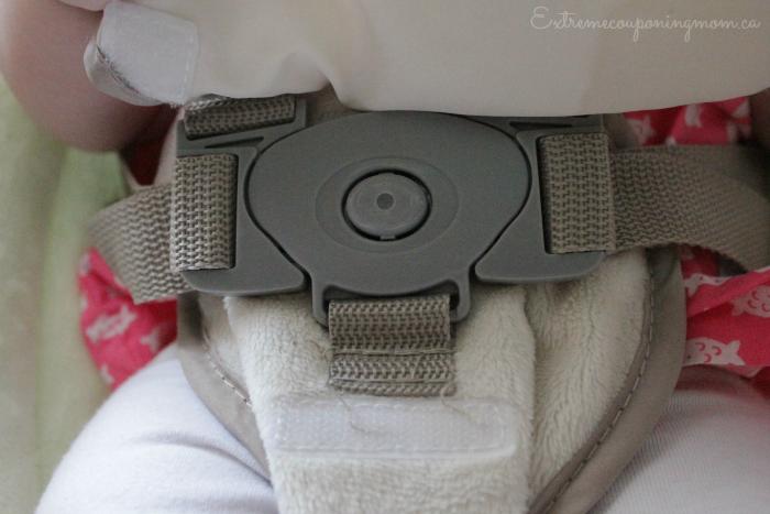 Ingenuity ConvertMe Swing-2-Seat_buckle
