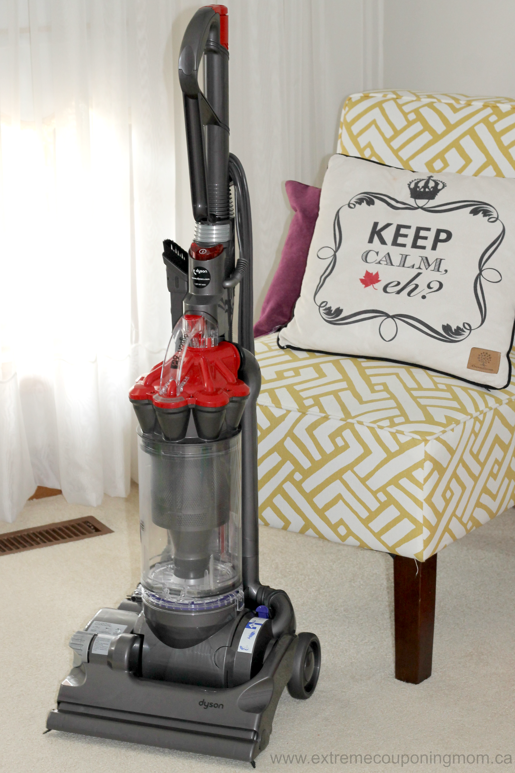 dyson dc33 multi floor upright vacuum review giveaway extreme couponing mom. Black Bedroom Furniture Sets. Home Design Ideas