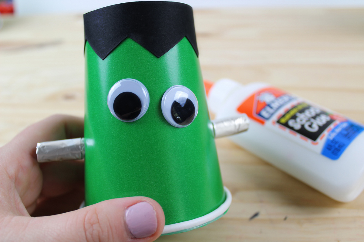DIY Halloween Frankenstein Treat Cups