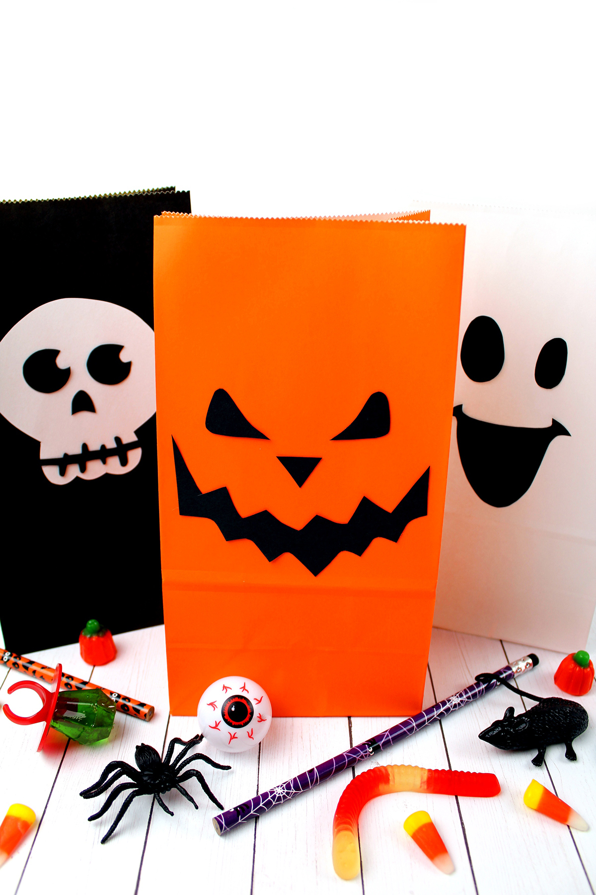 Diy Halloween Trick Or Treat Bags.Spooky Diy Halloween Treat Bags Craft Extreme Couponing Mom