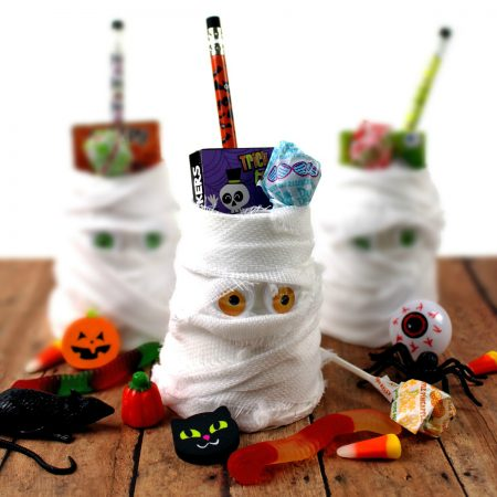 DIY Mummy Halloween Treat Cups