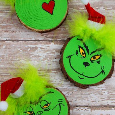 Wood Slice Grinch Christmas Tree Ornament Craft