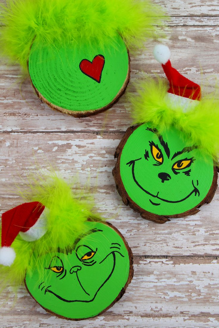 Wood Slice Grinch Christmas Tree Ornament Craft