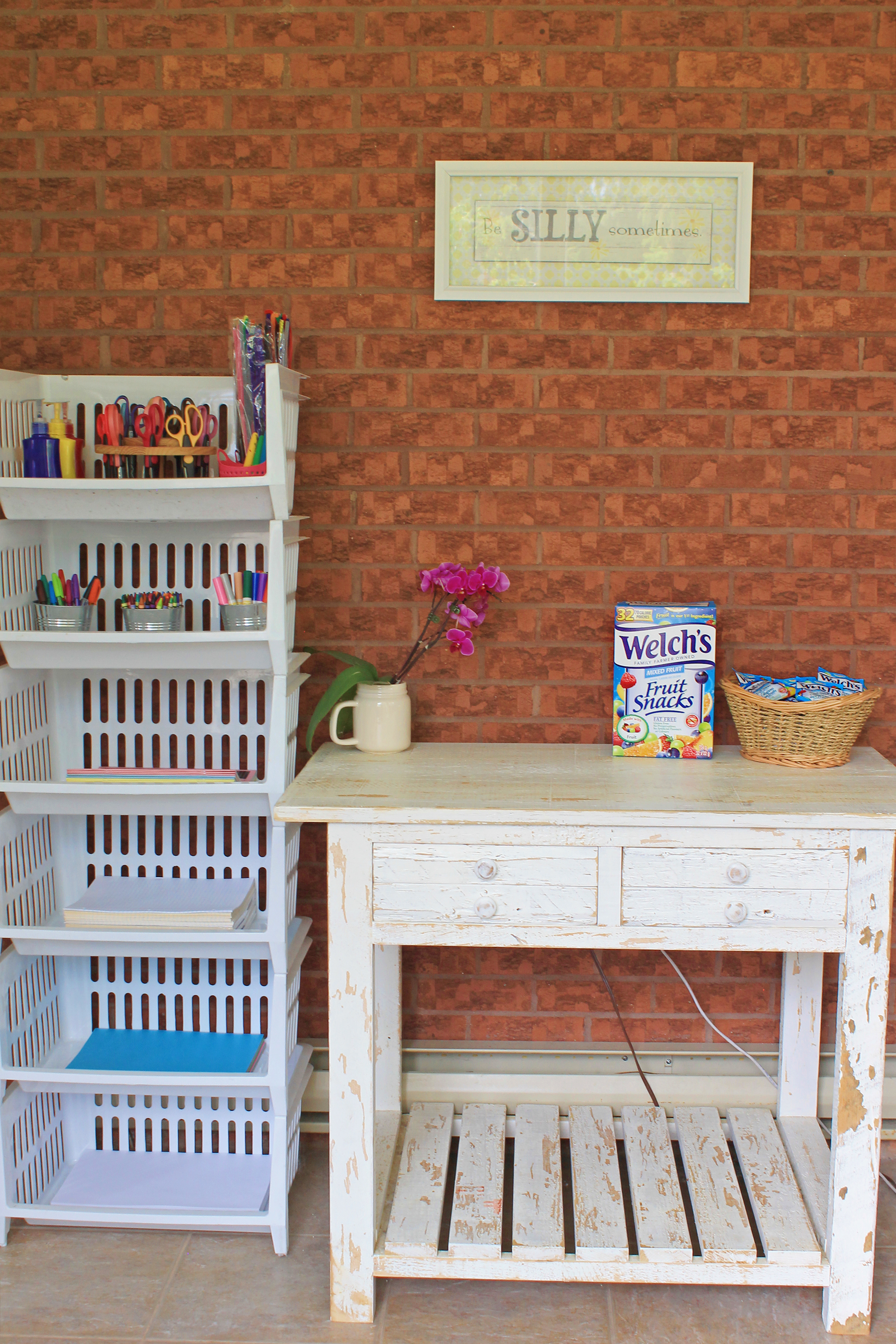 Welch's Fruit Snacks DIY Homework Station