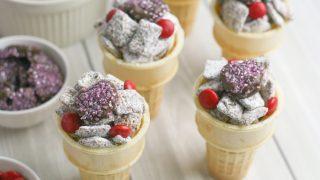 Valentine's Day Muddy Buddies Snack Mix