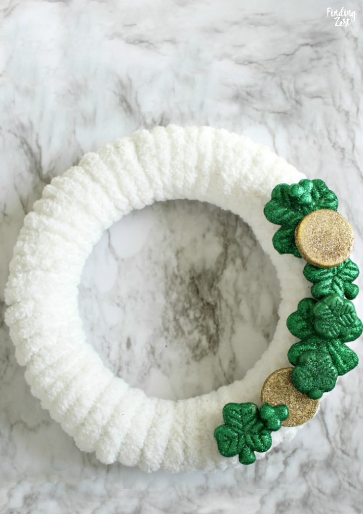 Shamrock Wreath: St. Patrick's Day Decorations DIY