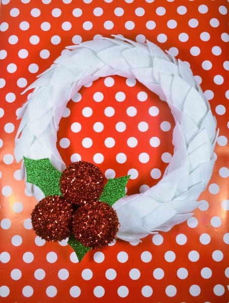 DIY Christmas Wreath {Felt and Holly Berries}