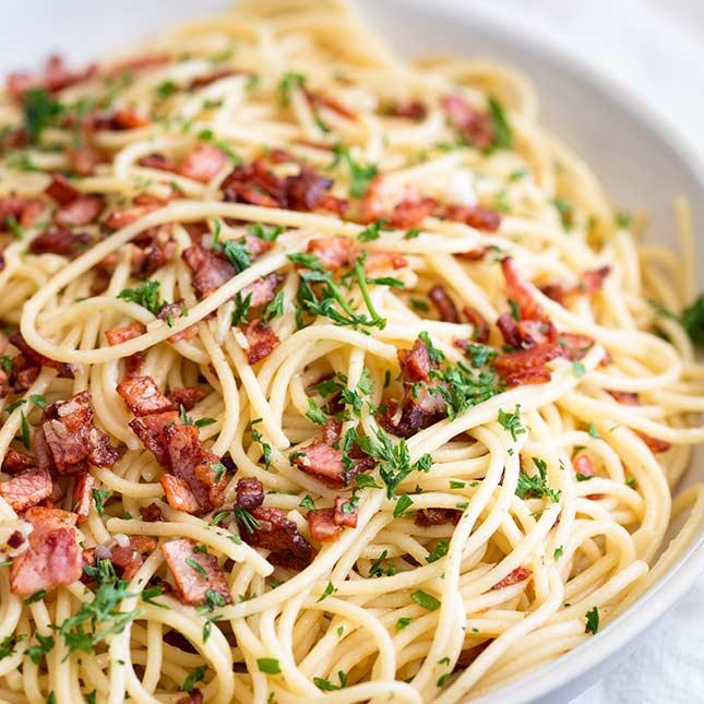 Easy Garlic Bacon Pasta